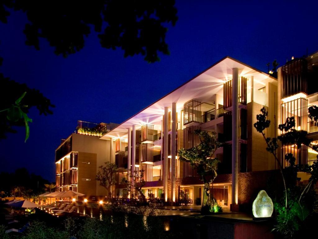 Anantara seminyak bali resort indonesia for Bali indonesia hotel booking