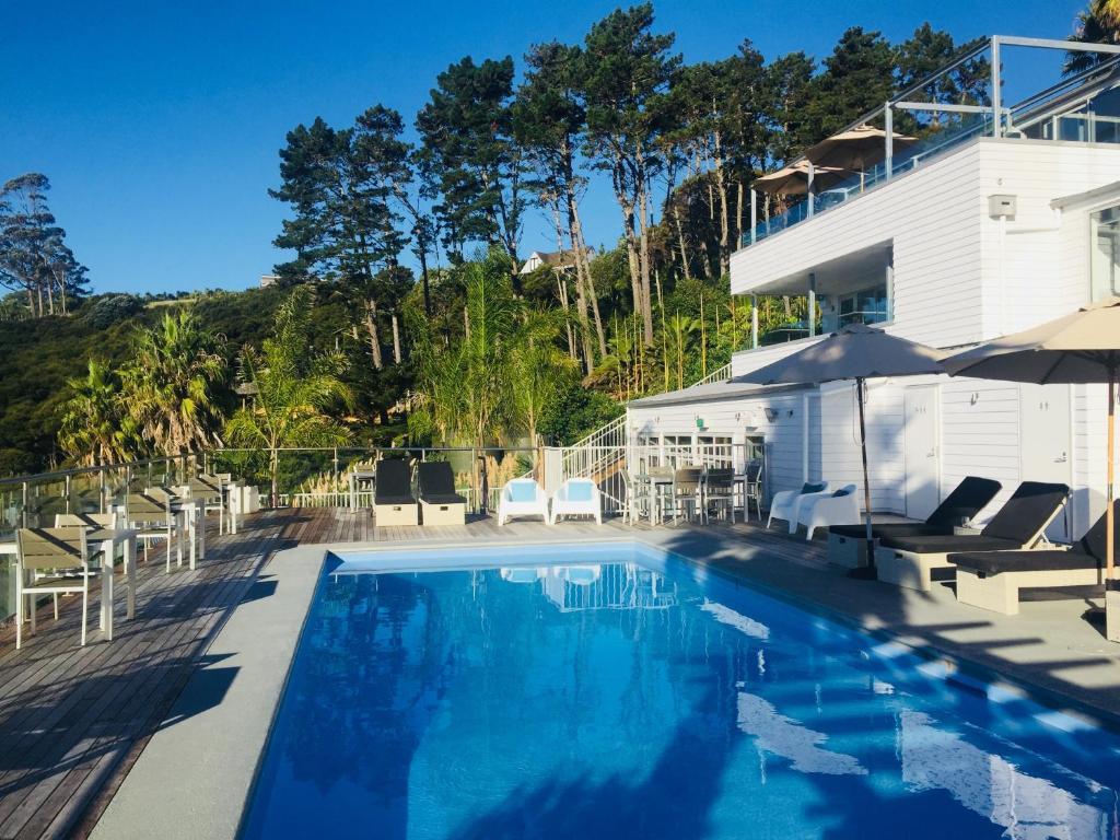The swimming pool at or near Waiheke Island Resort