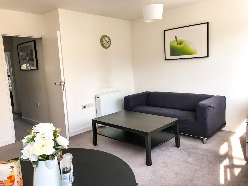 Entire Modern 2 Bedroom Boutique next to Kings College in the most ...