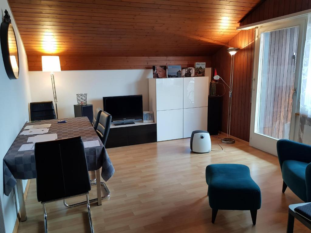 Apartment Antika Mit Grossem Balkon Burgdorf Switzerland Booking Com