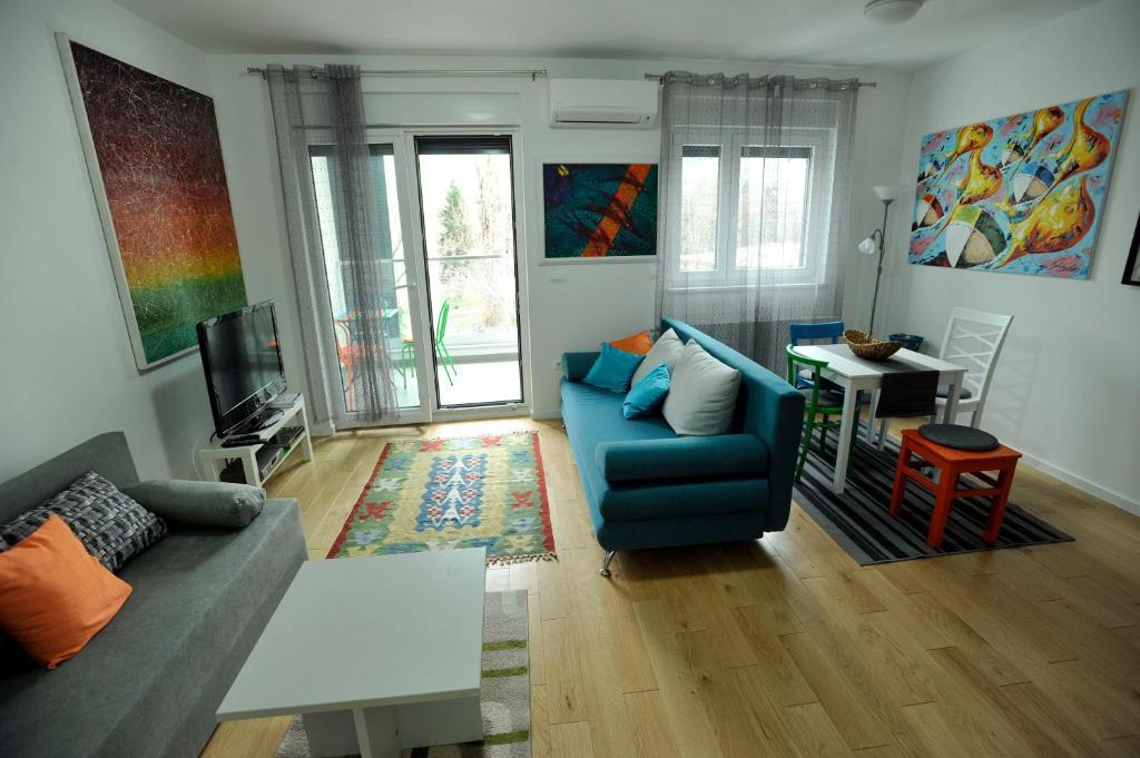 Art Apartments Zagreb Croatia Bookingcom - Living-room-art-property