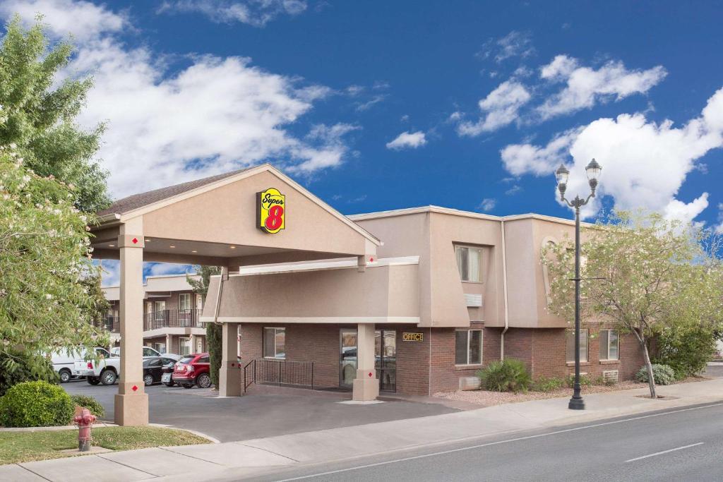 motel super 8 by wyndham st george ut ut. Black Bedroom Furniture Sets. Home Design Ideas