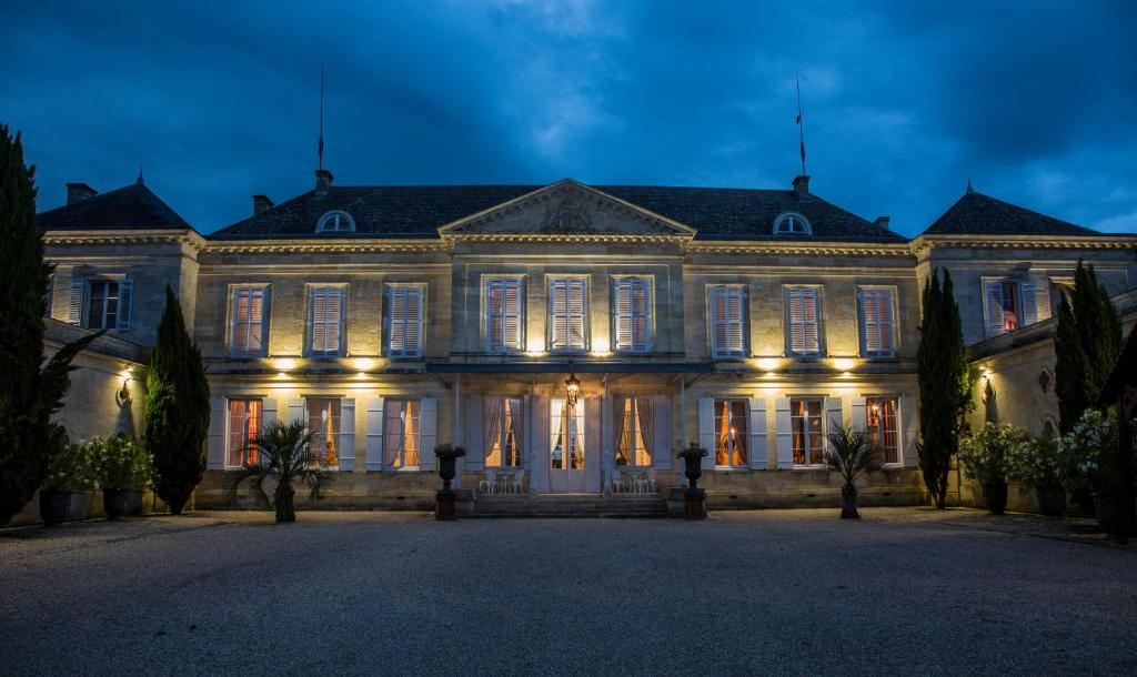vacation home château peyronnet saint louis de montferrand france