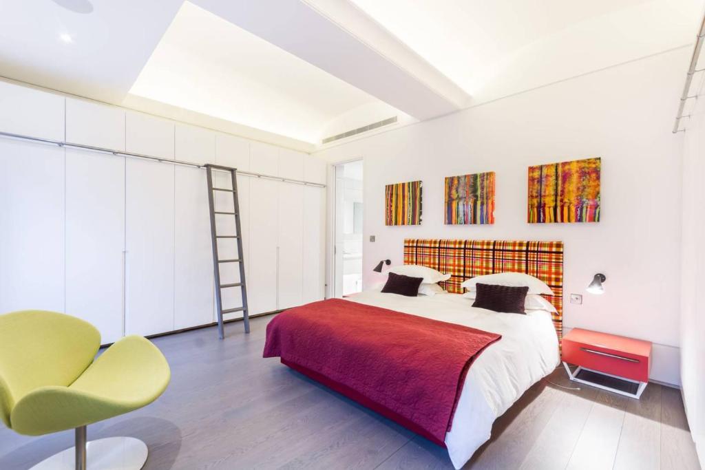 10 modern schlafzimmer bank designs, luxury 2 bedroom flat trafalgar square, london – updated 2018 prices, Design ideen