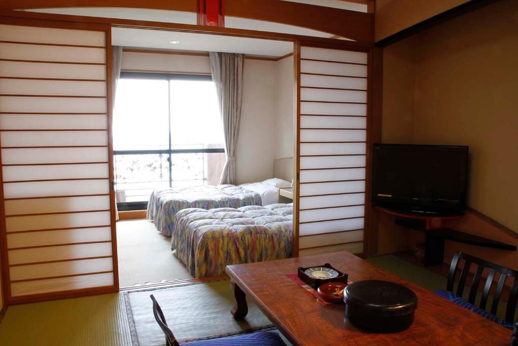 ポイント1.アメニティー豊富!海の景色が楽しめる客室