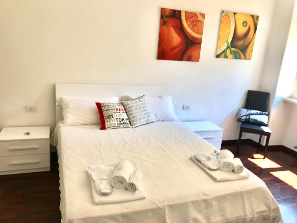 A bed or beds in a room at Appartamento