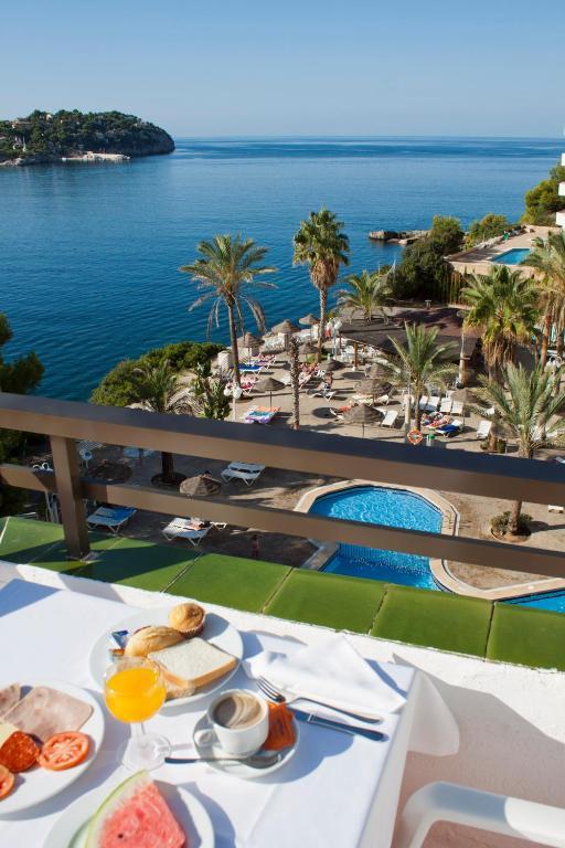 Condo hotel trh jard n del mar santa ponsa spain for Aparthotel jardin del mar santa ponsa