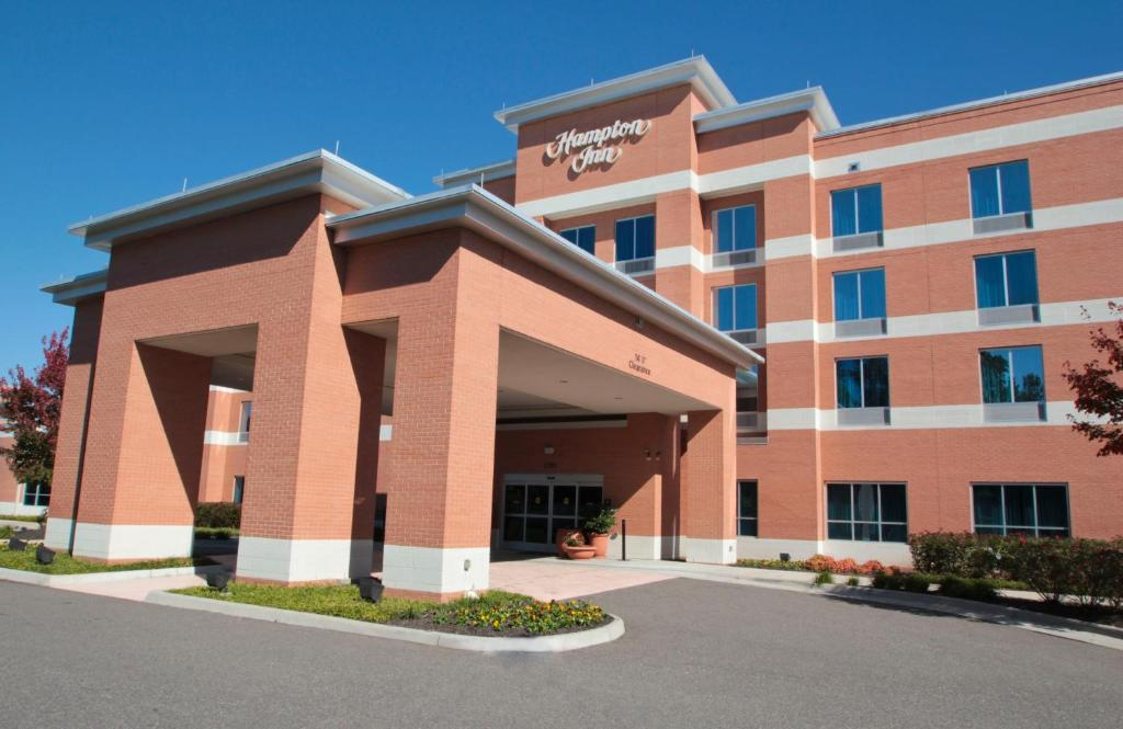Hampton Inn Newport News Reserve Now Gallery Image Of This Property