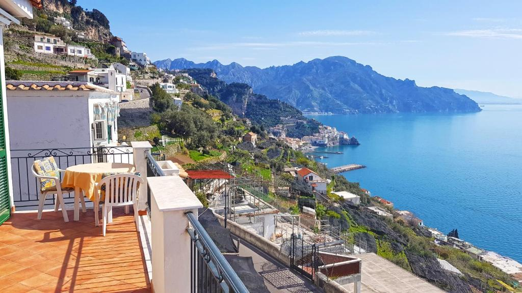 Aparthotel Amalfi Hills (Italien Amalfi) - Booking.com