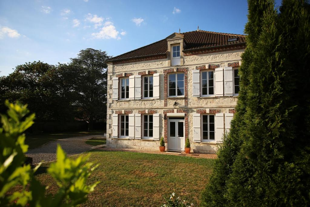 Bed And Breakfast Les Reves De Flamboin Gouaix France Booking Com