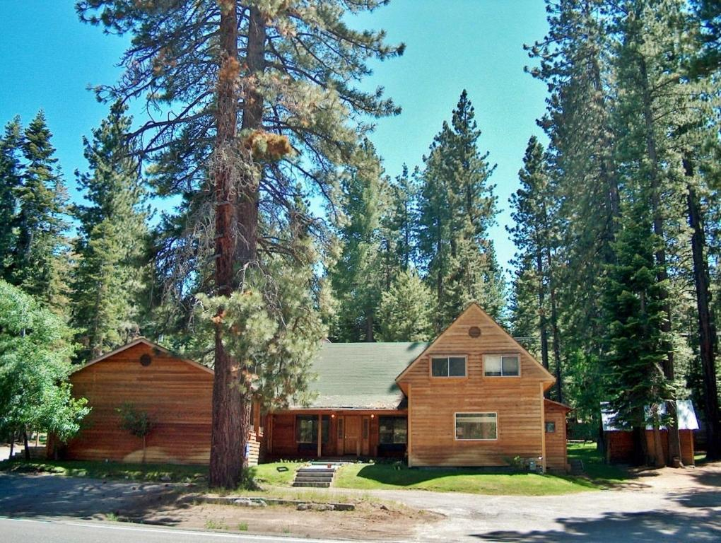 Vacation home mountain home large group vacation rental south lake tahoe ca - Alpine vacation houses ...