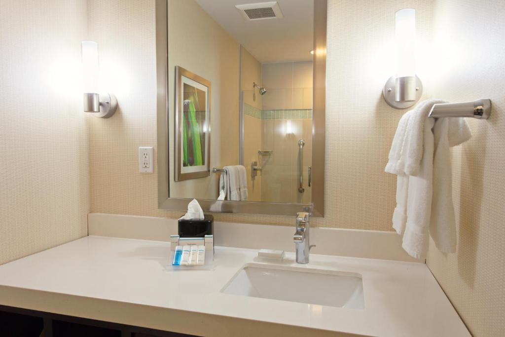 hilton garden inn los angeles marina del rey reserve now gallery image of this property - Hilton Garden Inn Marina Del Rey