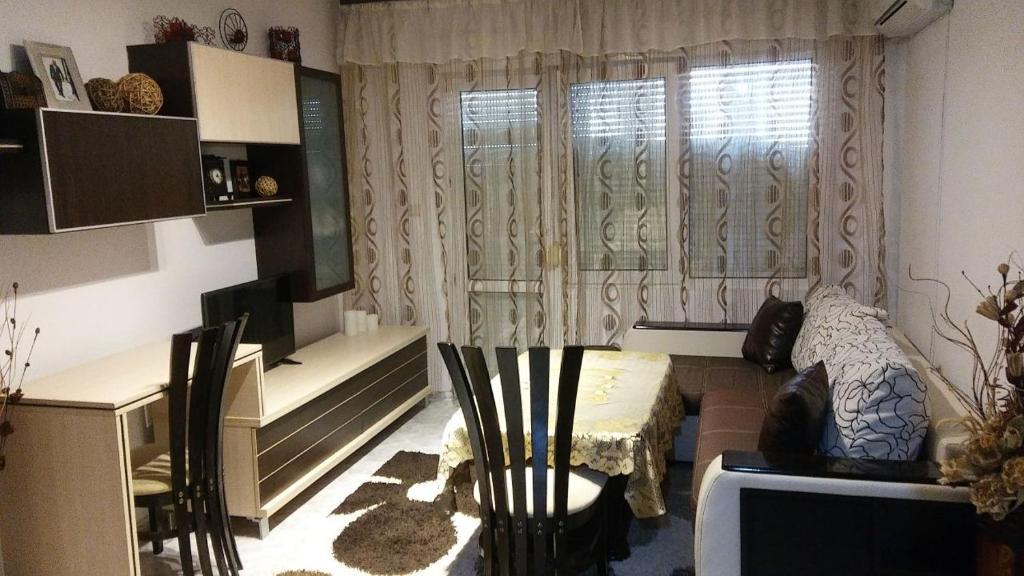 Апартамент Riviera - Поморие
