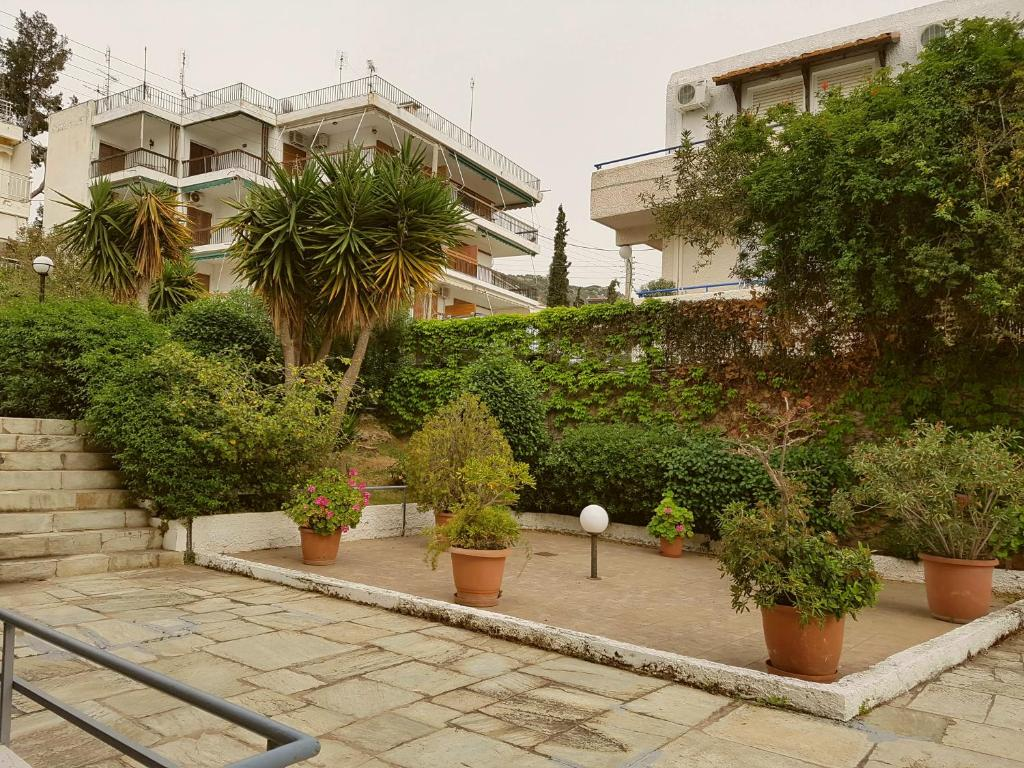 Apartment Terrace On The Sea, Lagonissi, Greece - Booking.com