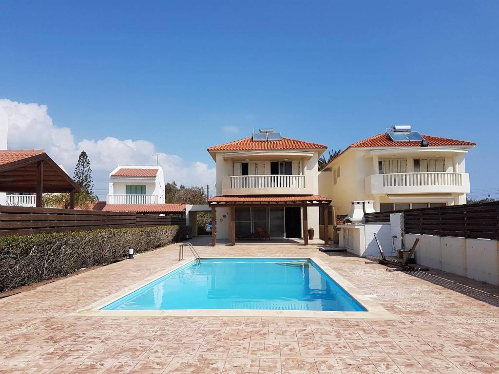 Sunny Villa Pervolia, Perivolia, Cyprus - Booking.com