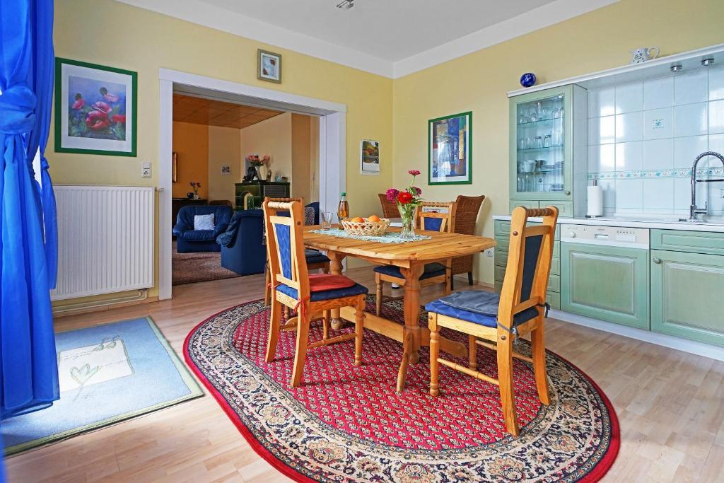 ferienwohnungen zur alten eiche deutschland klingenthal. Black Bedroom Furniture Sets. Home Design Ideas