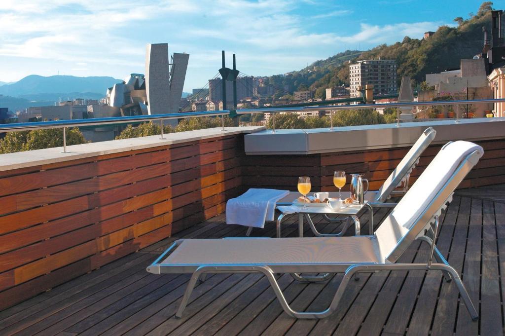 A balcony or terrace at Hesperia Bilbao