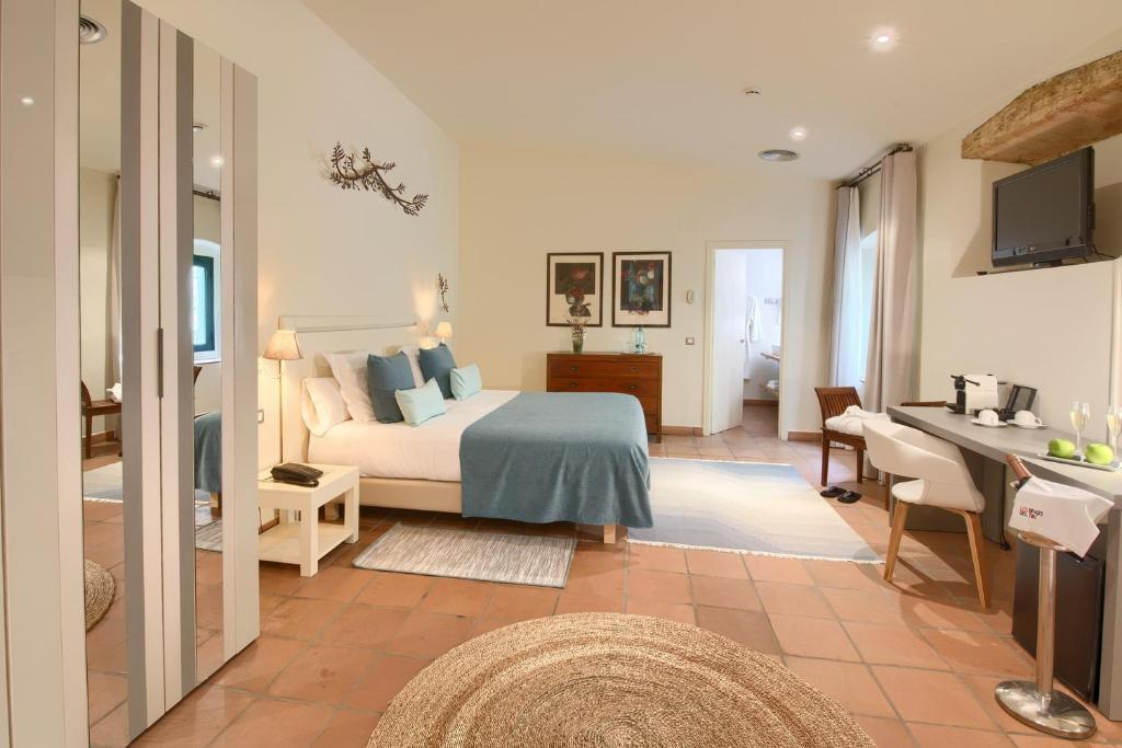 boutique hotels in begur  116