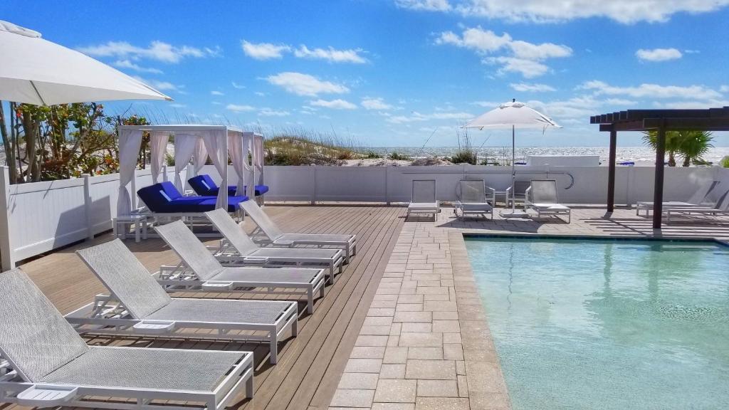 Hotel Barefoot Beach Club (USA St Pete Beach) - Booking.com