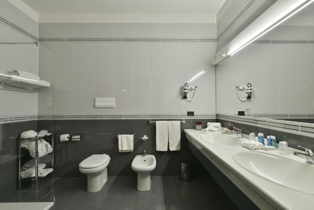 Vasca Da Bagno Ariston Prezzi : Hotel ariston paestum u prezzi aggiornati per il