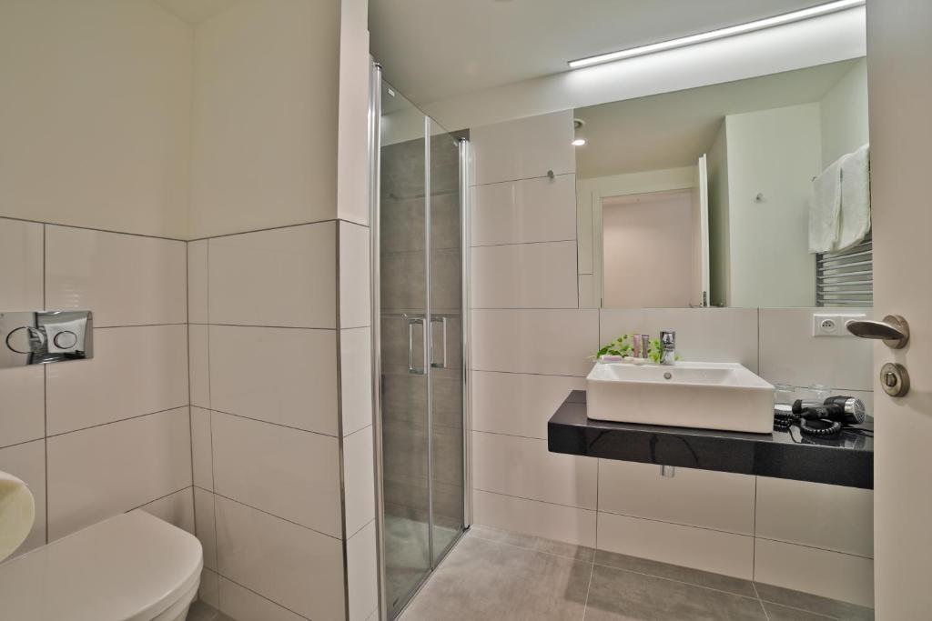 Vasca Da Bagno Ariston Prezzi : Ariston ariston patio hotel praga u prezzi aggiornati per il