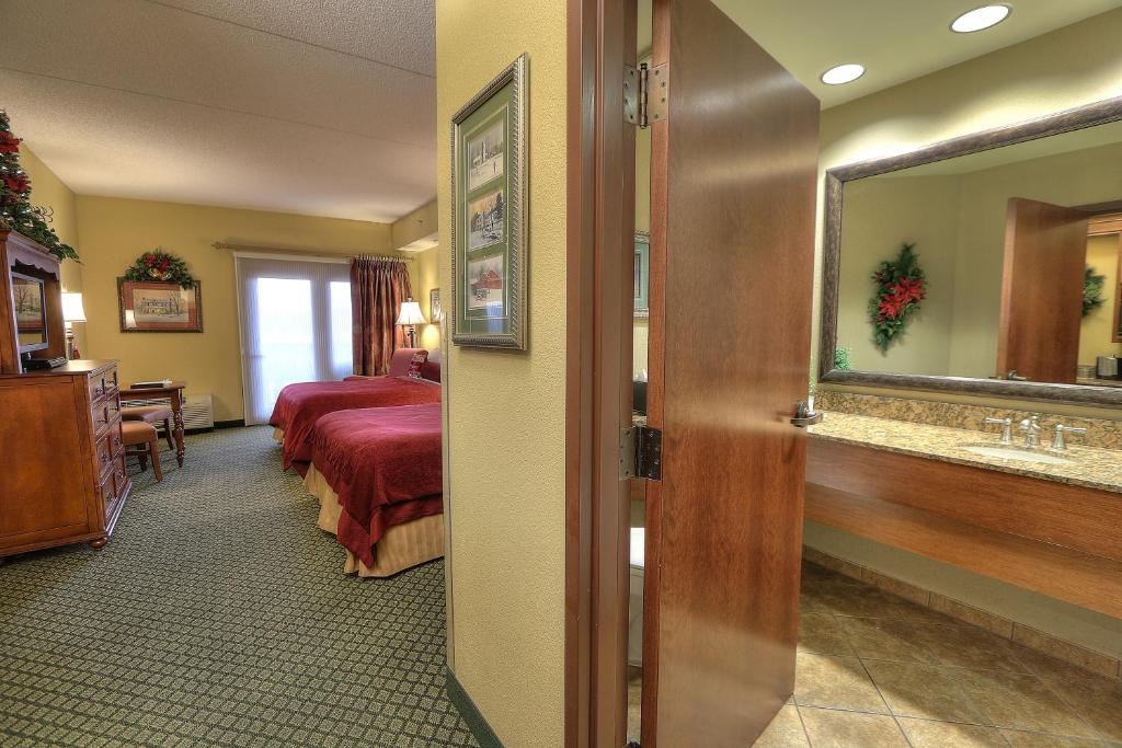 gallery image of this property - Christmas Inn Pigeon Forge Tn