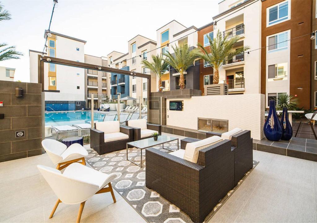 Apartment Entire 2B/2B Apt in Irvine, CA - Booking.com