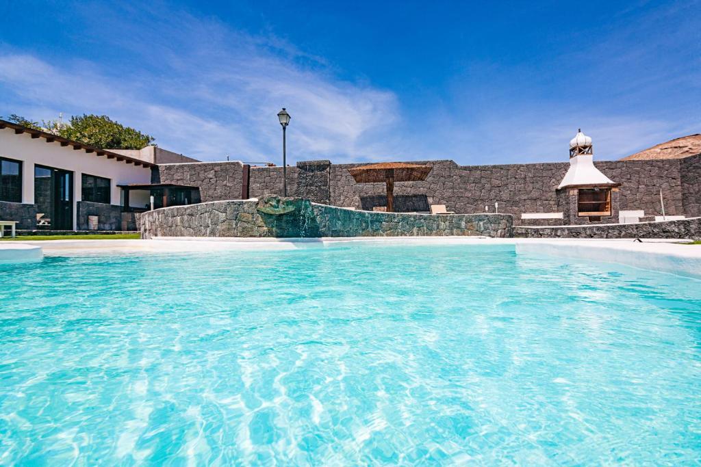 The swimming pool at or near Apartamentos Rurales Islas Canarias