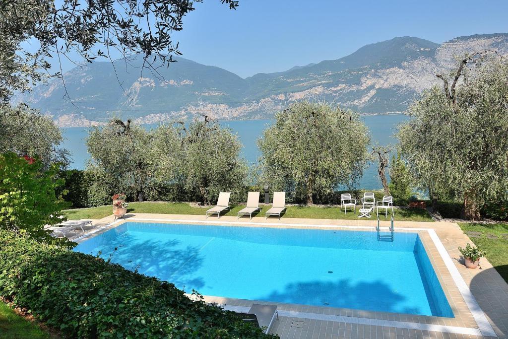 Villa Dismero Brenzone Sul Garda Italy Booking Com