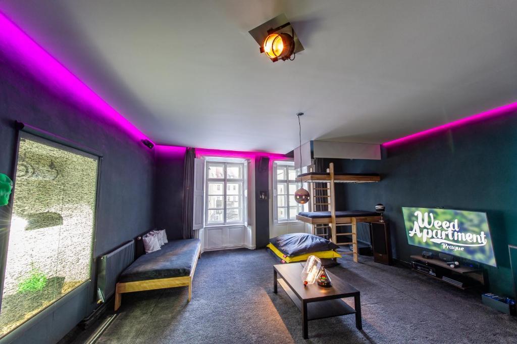 The Weed Apartment Prague, Praga – Prezzi aggiornati per il 2018
