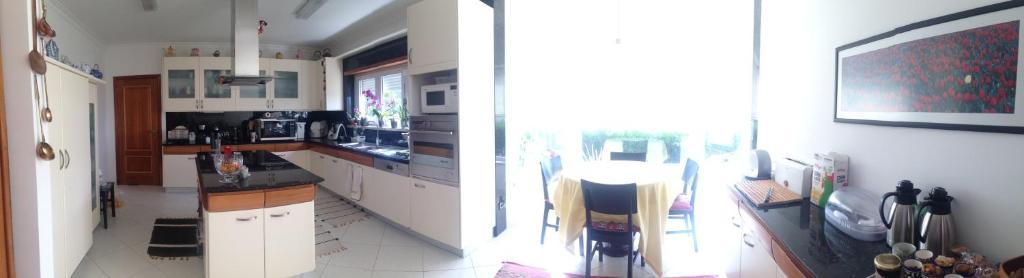 A kitchen or kitchenette at AL-BUSTAN