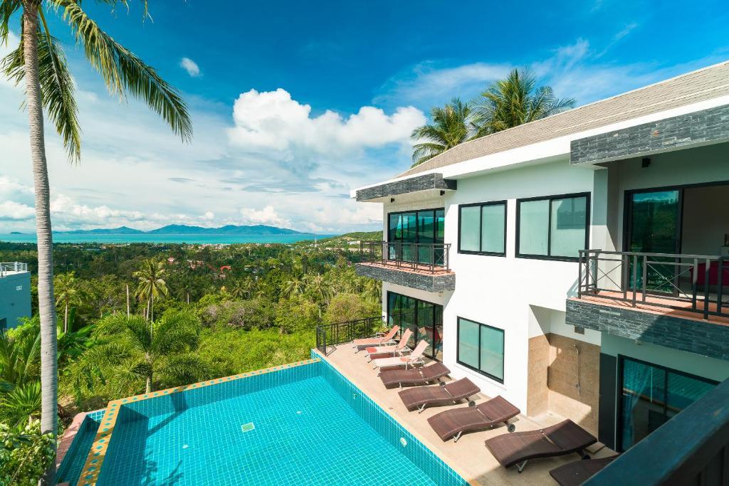View ng pool sa NB Villa Neve o sa malapit