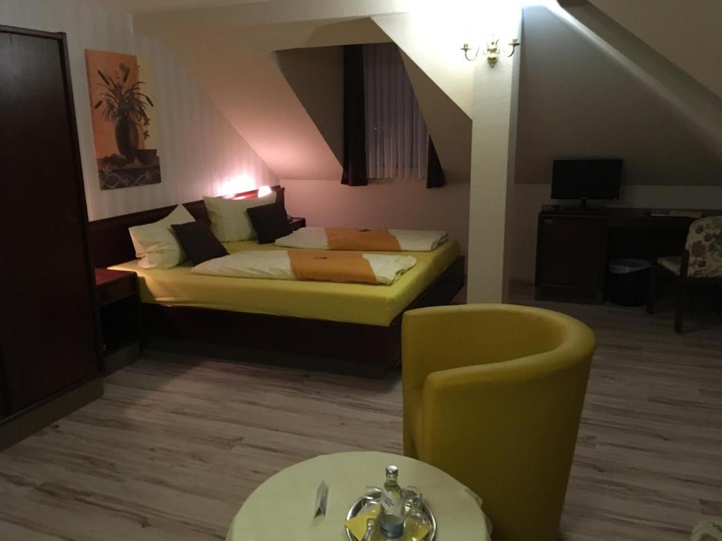 Hotel Schone Aussicht Weissenfels Germany Booking Com