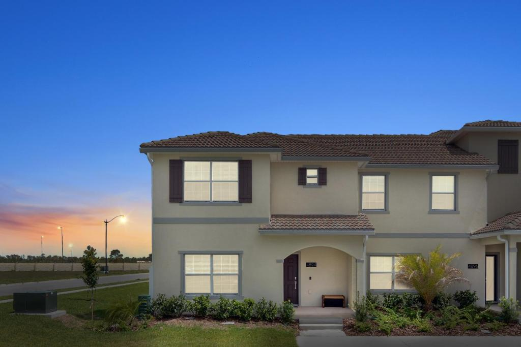 Vacation Home Five Bedrooms W Gameroom And Pool 4894 Kissimmee Fl
