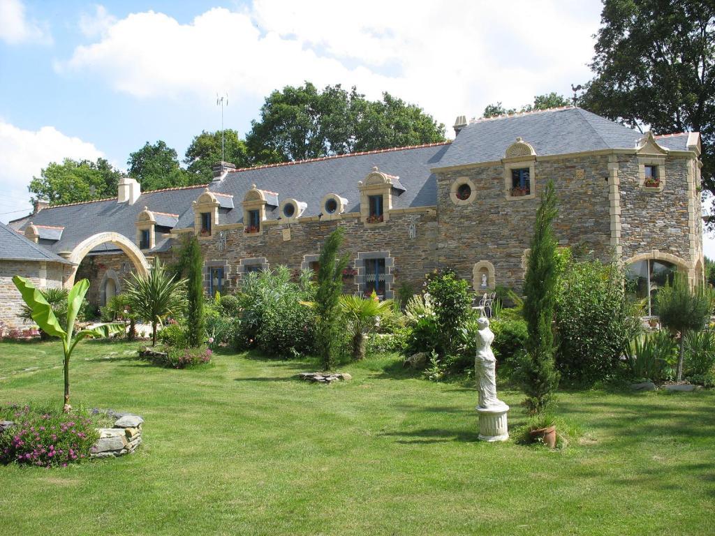Guesthouse Le Clos Saint Fiacre Carentoir France Booking Com