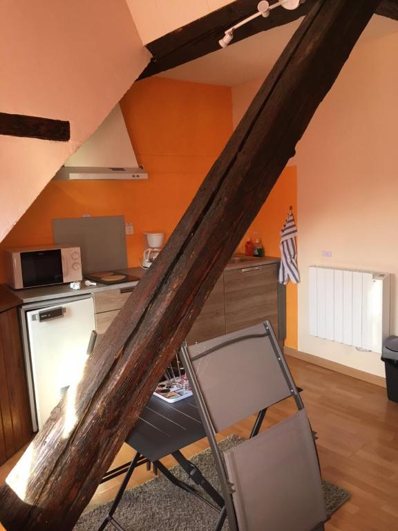 studio 20 m2 bagn res de bigorre tarifs 2018. Black Bedroom Furniture Sets. Home Design Ideas