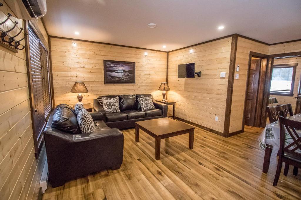 Cozy Wood Cottages Kanada Reidville Booking Com