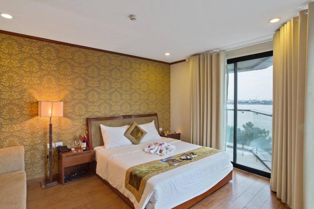 Khách Sạn Sunset West Lake Hà Nội