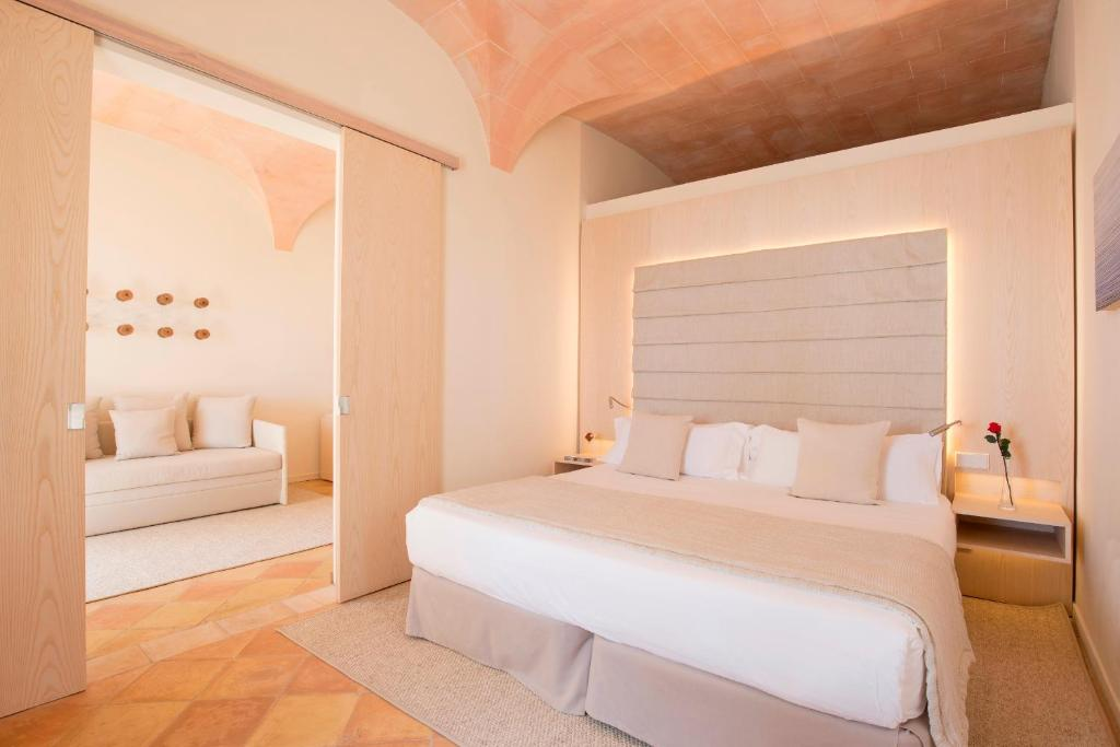 boutique hotels in balearic islands  331