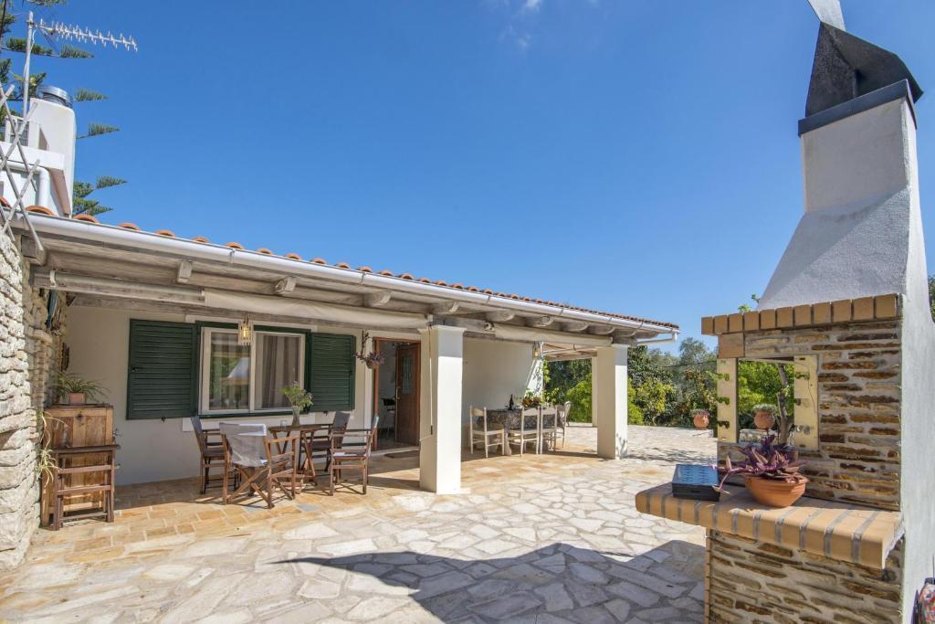 142251443 - Alexandros House