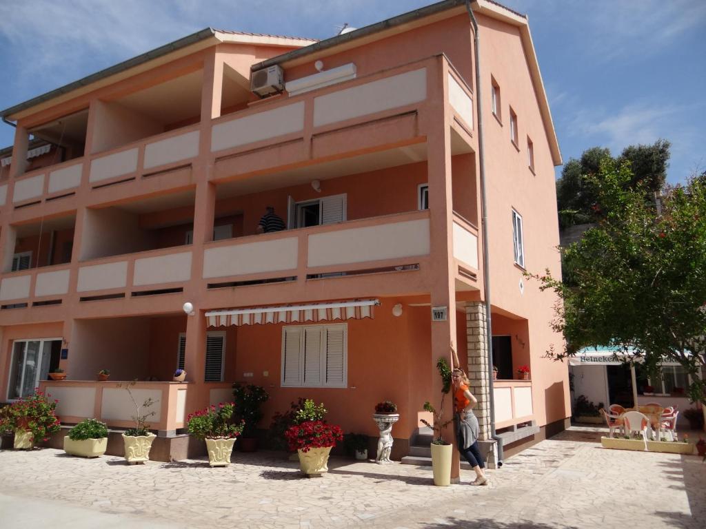 Divano Maria Rosa : Guest house maria rosa rab u prezzi aggiornati per il