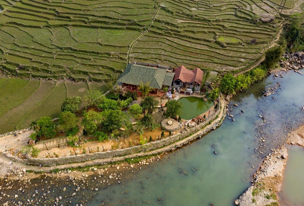 Tavan Riverside Ecolodge  Sapa  Vietnam