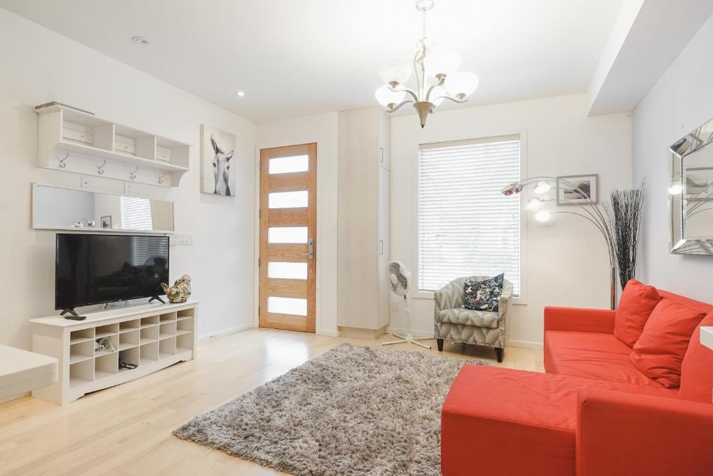 Bianca Design Vacation Home, Toronto, Canada - Booking.com