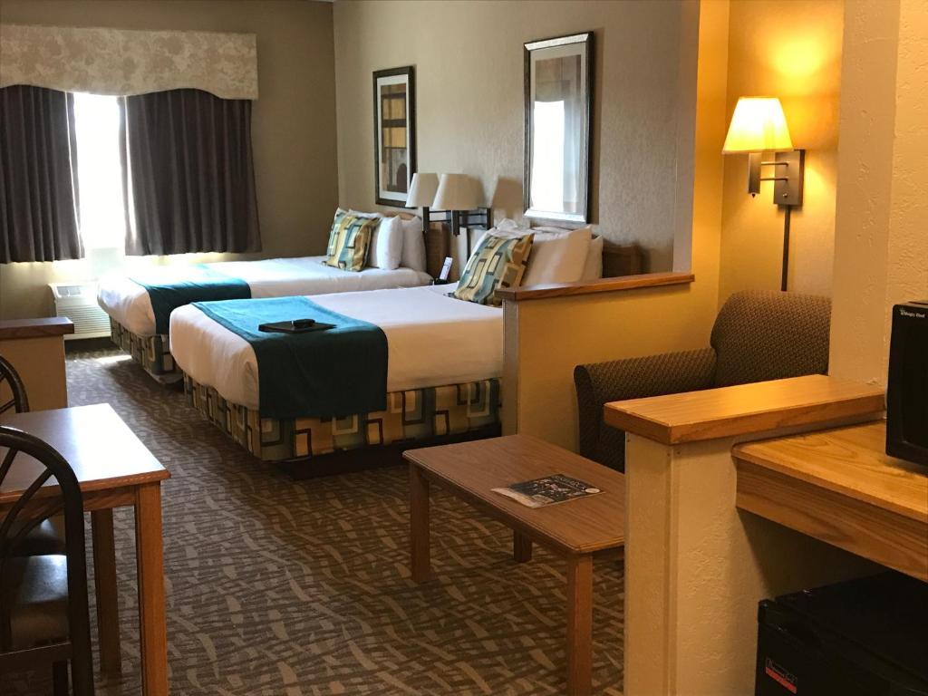 hotel expressway suite bismarck nd. Black Bedroom Furniture Sets. Home Design Ideas