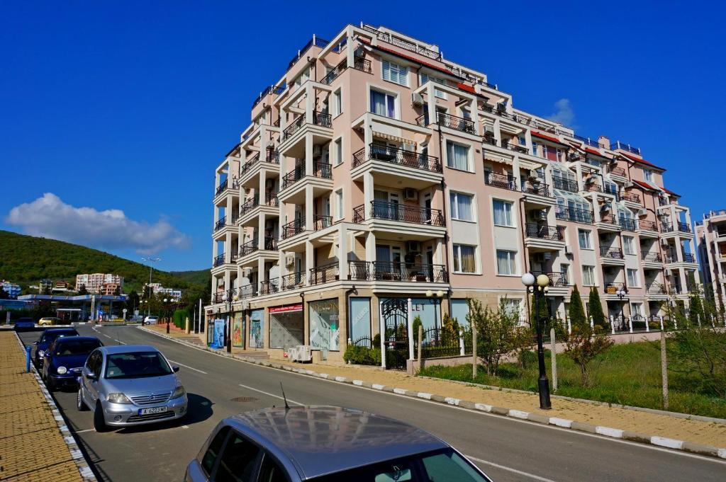 Апартамент Rodina 1 - Свети Влас