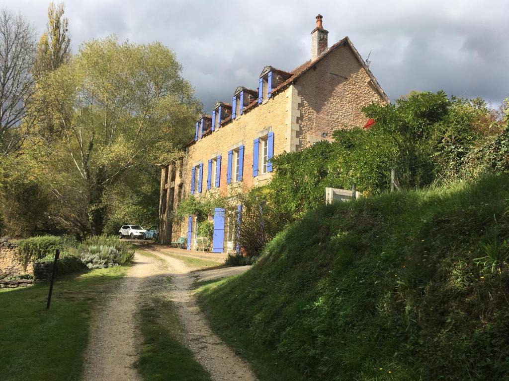 Apartments In Saint-cernin-de-reillac Aquitaine