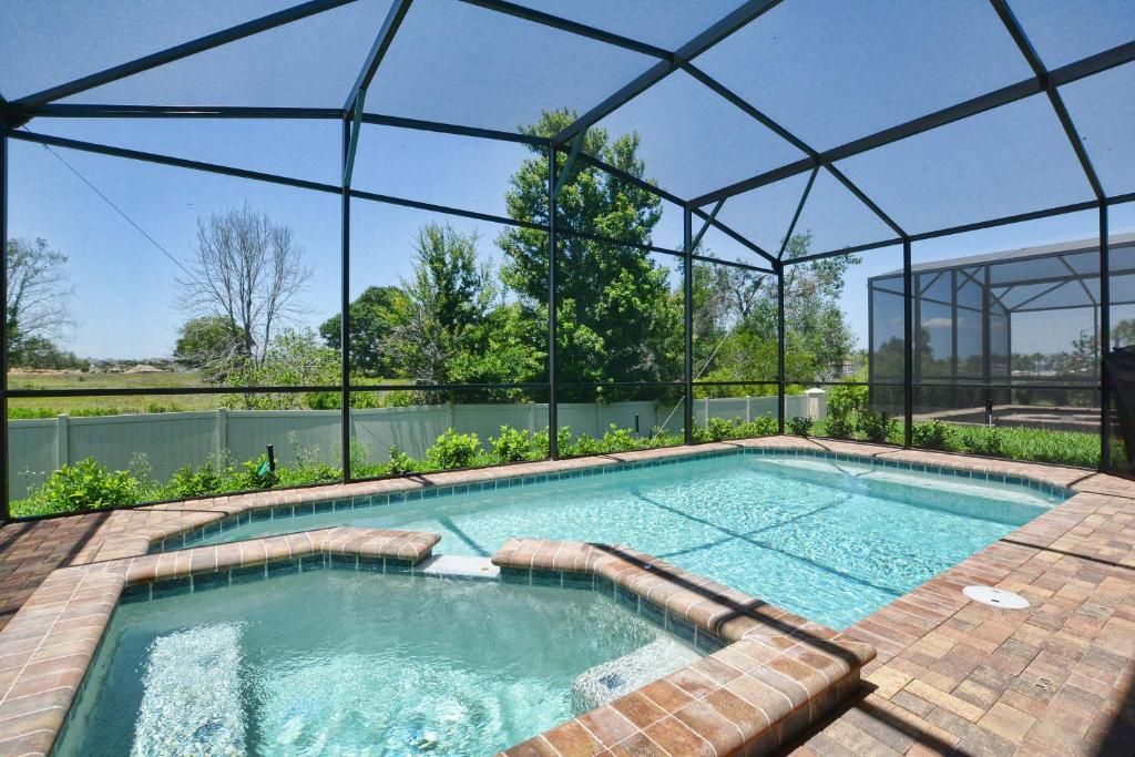 WINDSOR AT WESTSIDE! PRIVATE GAME ROOM, POOL, JACUZZI!!! (3720WW ...