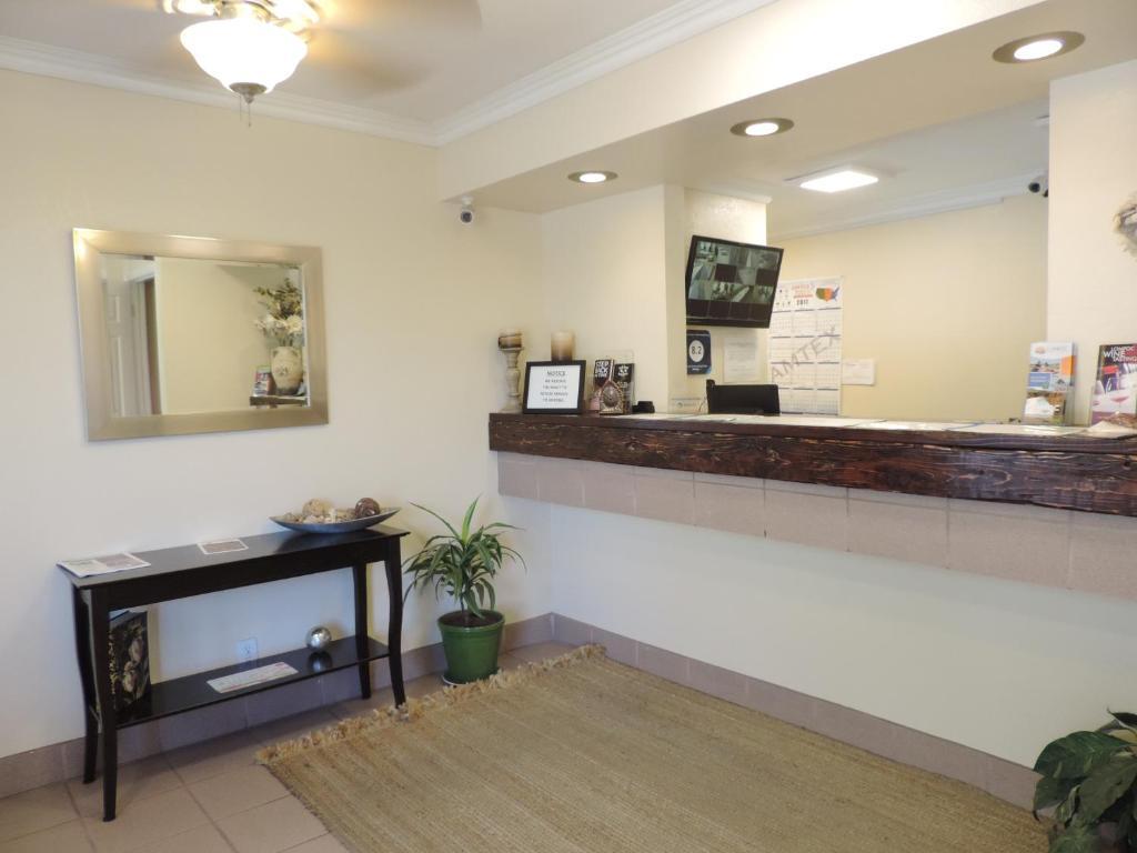 Lotus of Lompoc - A Great Hospitality Inn, CA - Booking.com
