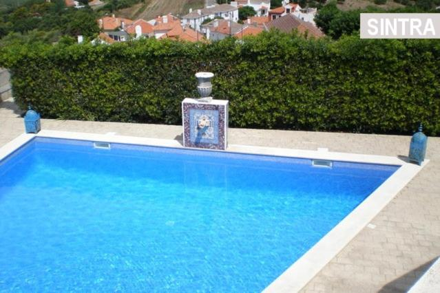 The swimming pool at or near Heaven in the Sintra Forest - with pool