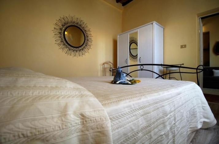 La Credenza Di Picasso Gabbro : Ferienwohnung hause lavinia italien gabbro booking.com